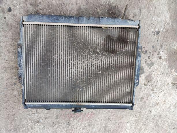 Chłodnica wody Hyundai galloper 2.5D 99km 73kw pajero