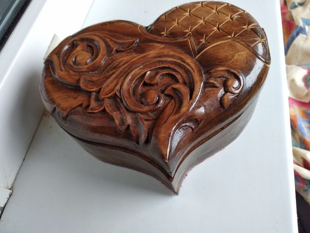 Деревянная шкатулка для урашений,сердце.