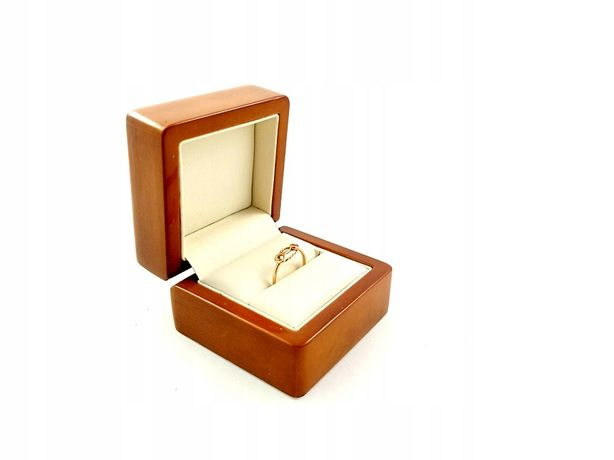 Złoty pierścionek z oczkiem Pr.585 W:0,99g