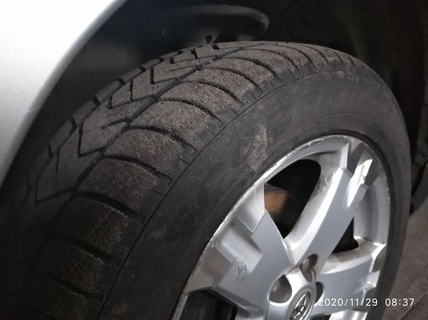 Зимова гума 235/55/18r ціна за 4шт.