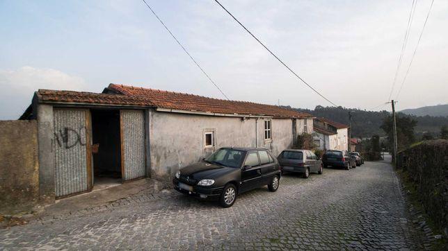 Moradia T3 de 4 frentes com vistas e um terreno de 1300 m2