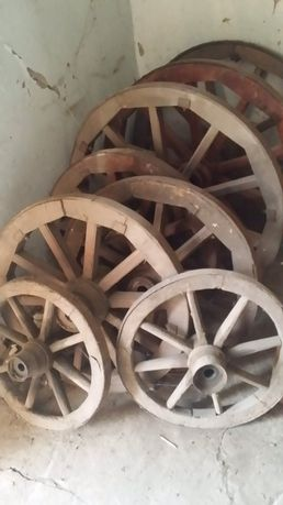 Дерев'яні колеса