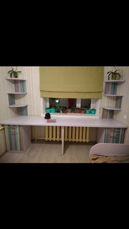 СРОЧНО!!!Мебель в детскую,кровать,стол