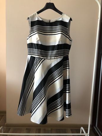 Piękna Sukienka KMX 42