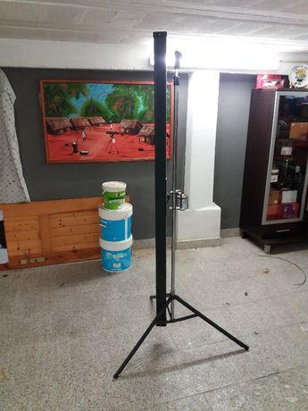 Tela para projetor 150x150