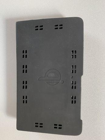 Ładowarka indukcyjna samochodowa do smartfonów i iPhone'ów