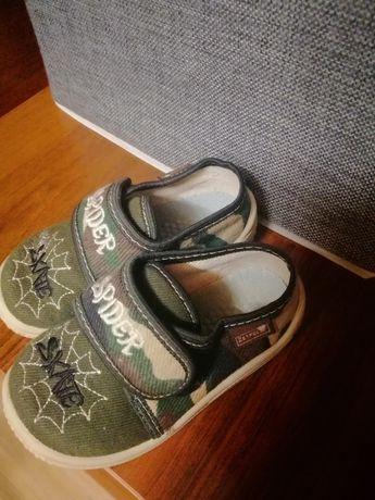Взуття, тапочки для хлопчика. 22розмір.