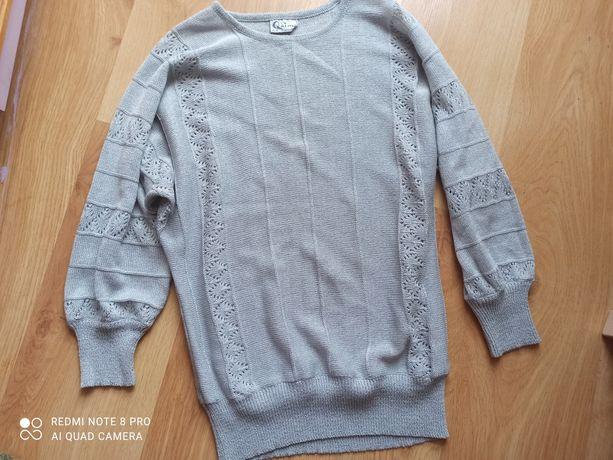 Sweterek 42 oversize