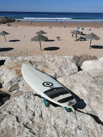 Prancha de Surf c/ Quilhas