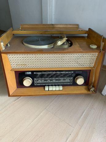 Radio Soanata z gramofonem