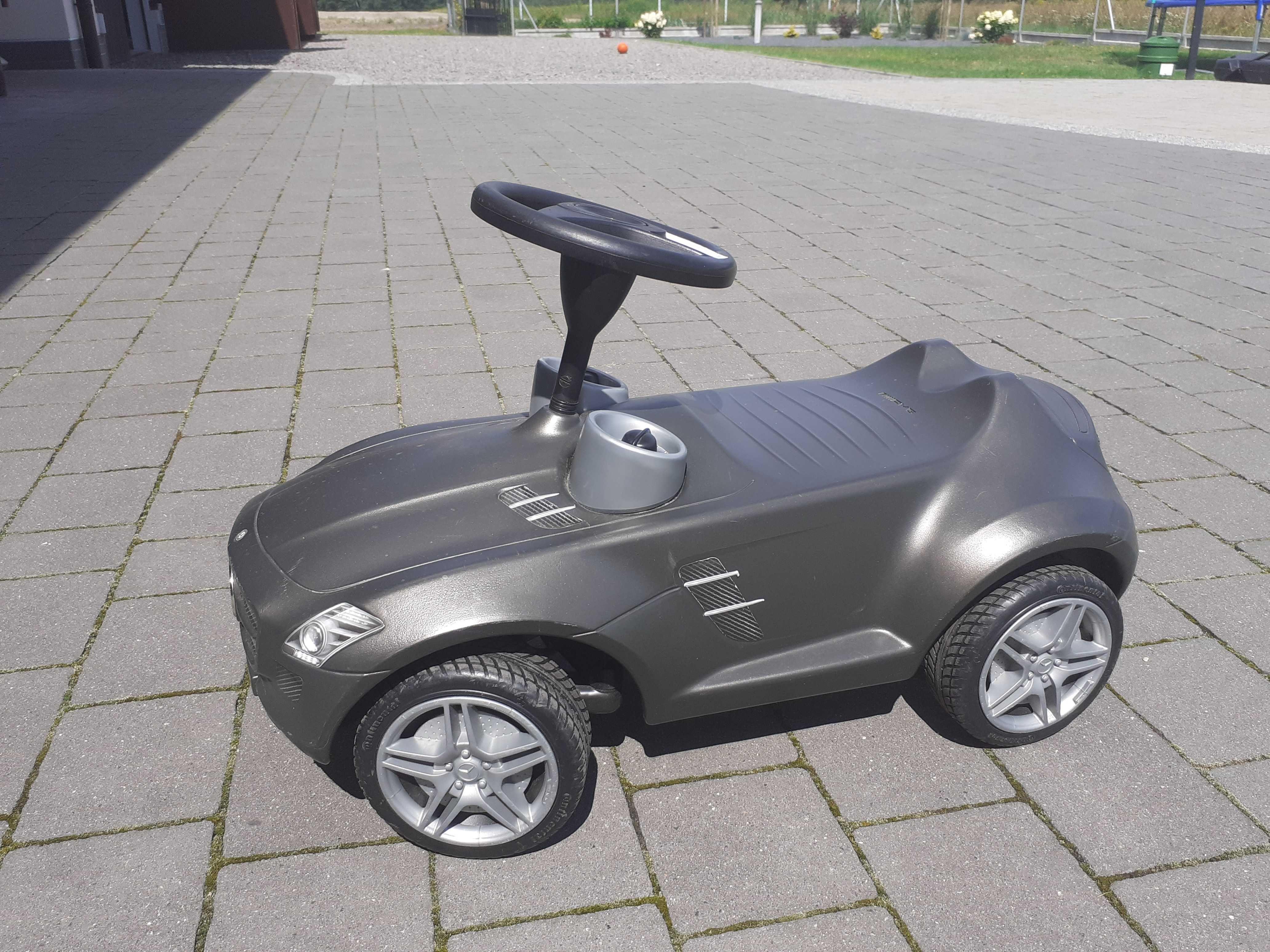 Jezdzik auto Mercedes AMG dla dzieci do odpychania