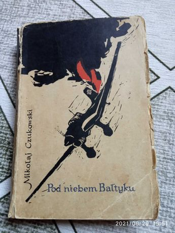 """Książka """"Pod niebem Bałtyku"""""""