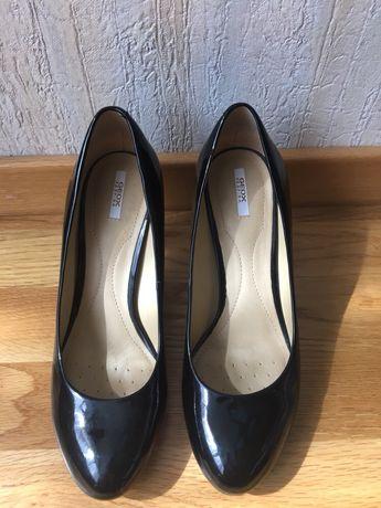 Туфли лаковые Geox 38 р