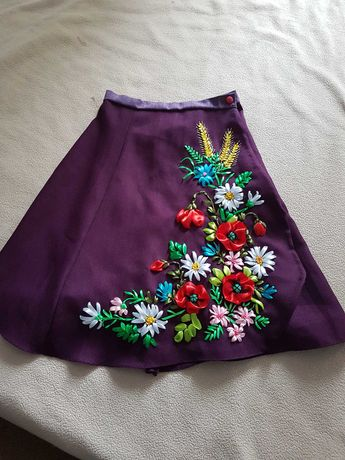 Вышиванка  Юбка для украинского костюма вышита лентами