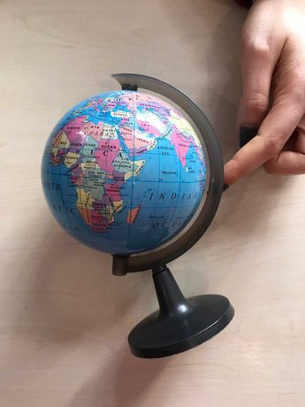 Глобус пластиковый на английском азыке