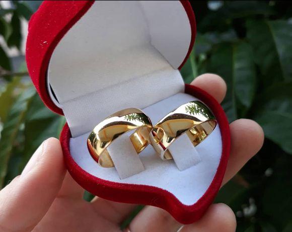 Klasyczne Piękno Wyjątkowa Elegancja - Lśniące Złote Obrączki Ślubne