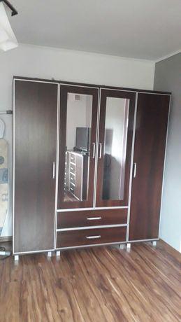 Szafa 4 - drzwiowa z lustrem