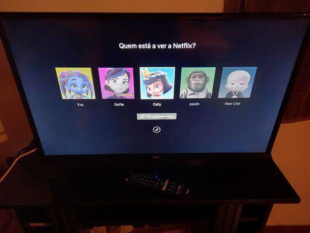 Smart tv 32 polegadas funcionando ok
