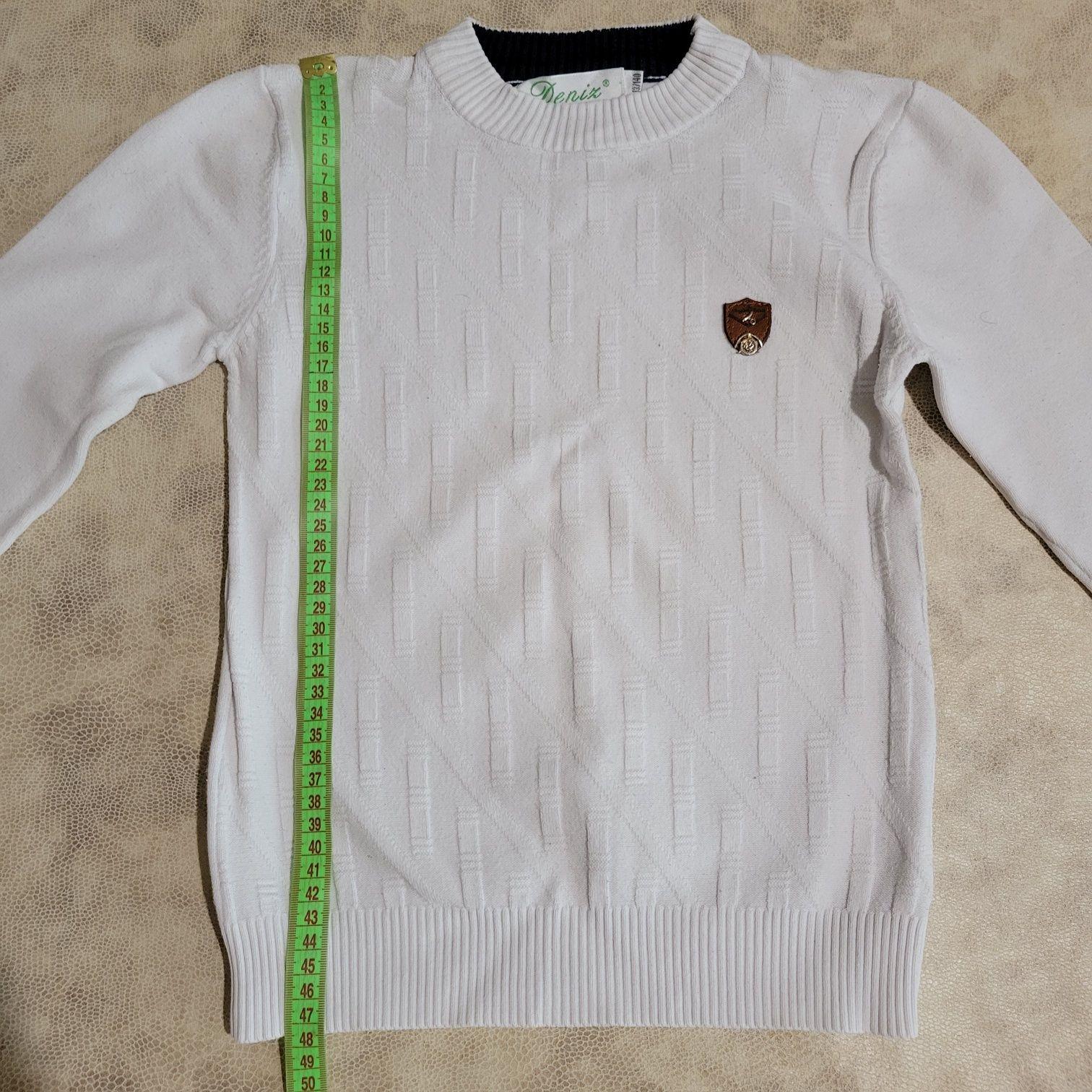 Продам свитер белый