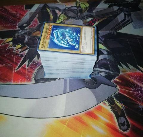YuGiOh! - 300 Cartas Comuns Aleatórias (Novas e Verdadeiras)