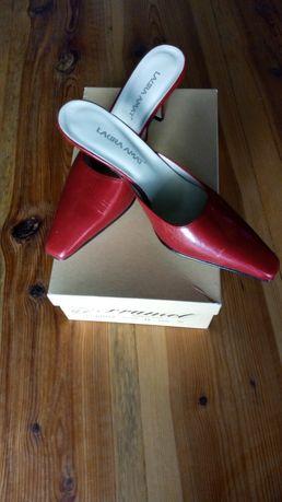 Nowe skórzane buty-klapki. Piękne.