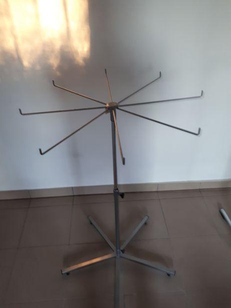 Stojak metalowy obrotowy