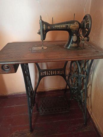 Maszyna do szycia Singer ze stolikiem