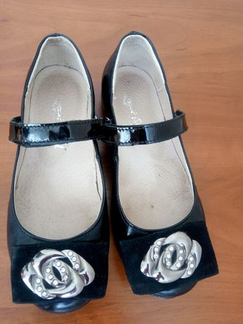 туфлі для дівчинки, до школи