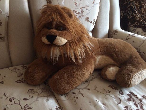 Лев великий