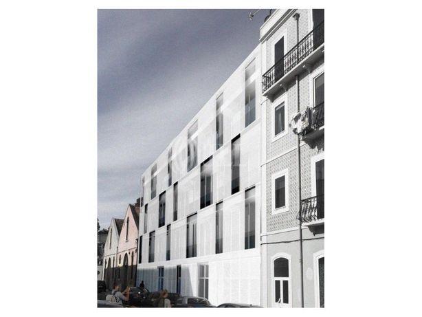 Prédio com projecto aprovado em Marvila, Lisboa