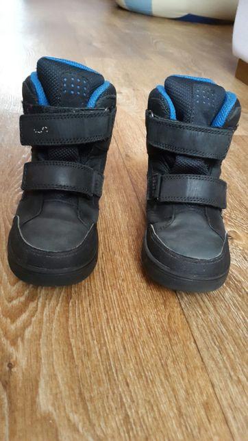 Продам детские зимние ботинки ecco