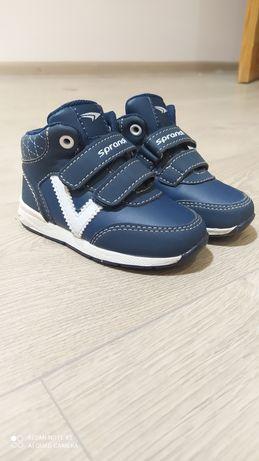Кросівки Sprandi (стан ідеальний)
