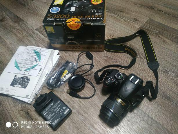 Продам Nikon d3200 18-55 vr 2 kit