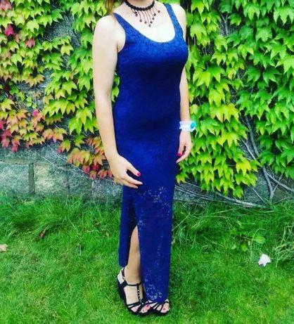 Сукня з красивим кружевом