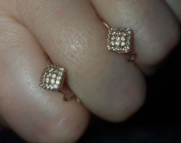 Золоті сережки з фіанітами, 525 проба