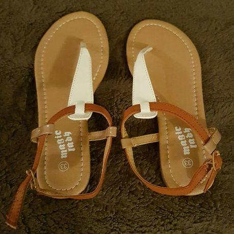 Sandałki dziewczęce. Rozm. 33.