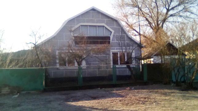 Срочно! Продается дом в Рогове , все вопросы по телефону.