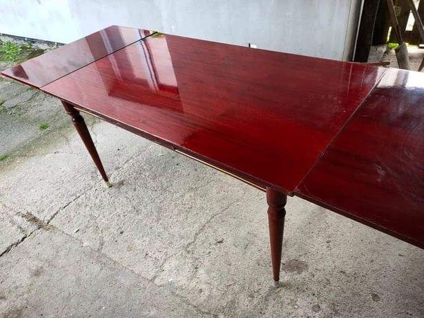 Drewniany 40-letni stół