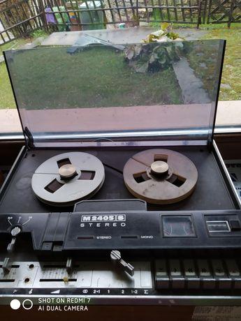 Magnetofon szpulowy 2405 stereo.