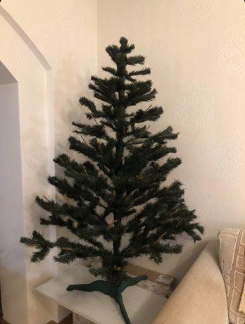 Новогодняя елка исскуственная 1,6 метра