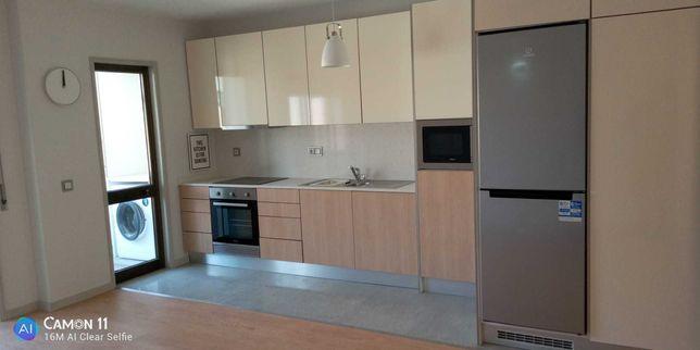 T4 Duplex na Rua Oliveira Monteiro, Carvalhido, Porto. 1300€ / mês