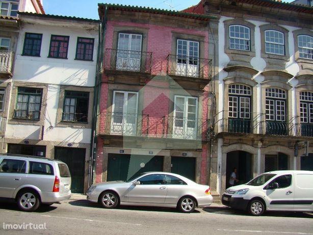 Predio no centro Histórico junto museu Biscainhos, Braga
