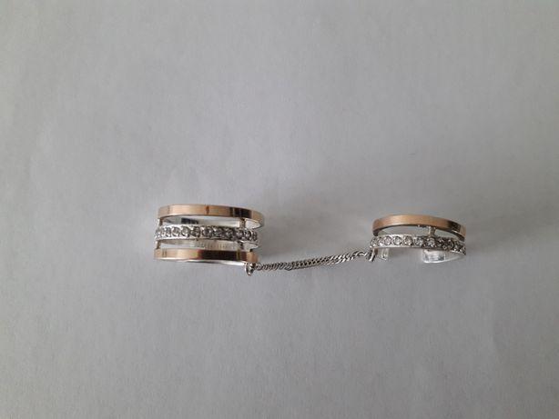 Продам перстень срібний з позолотою