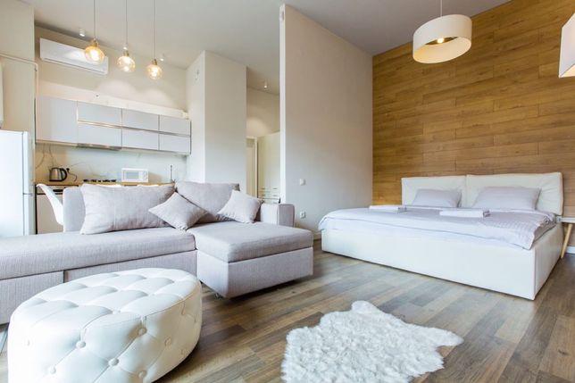 Подобово, погодинно стильна квартира в центрі Львова.