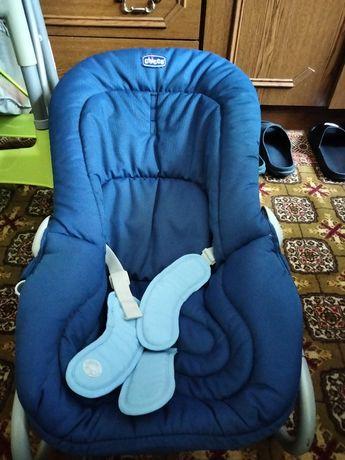 Leżaczek krzesełko