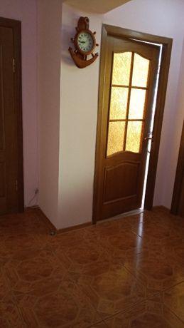 Продаю 3-х кімнатна квартира 33-й квартал.
