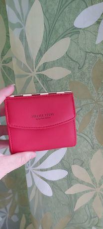 Женский кошелёк красный