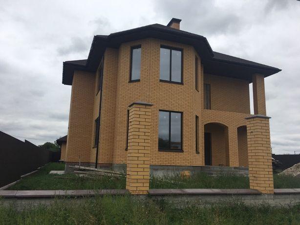 Продам дом с гаражом и гостевым домом