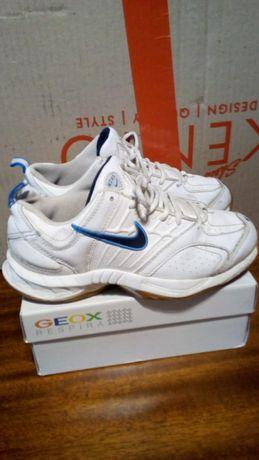 Nike кросівки 32