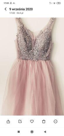 Sprzedam piękną sukienkę gorsetowa M